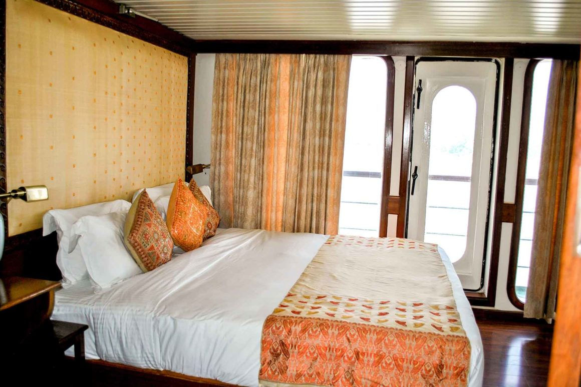 MV Mahabaahu Suite with Balcony Cabin