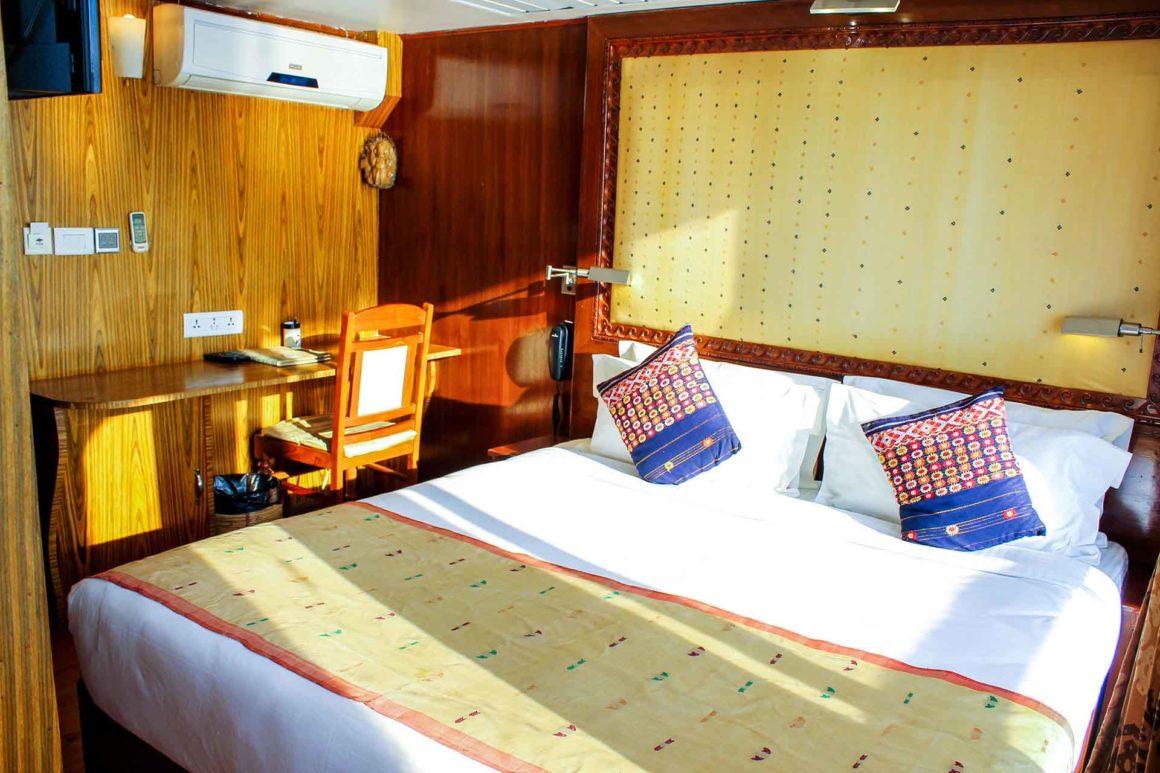 MV Mahabaahu Superior with Balcony Cabin