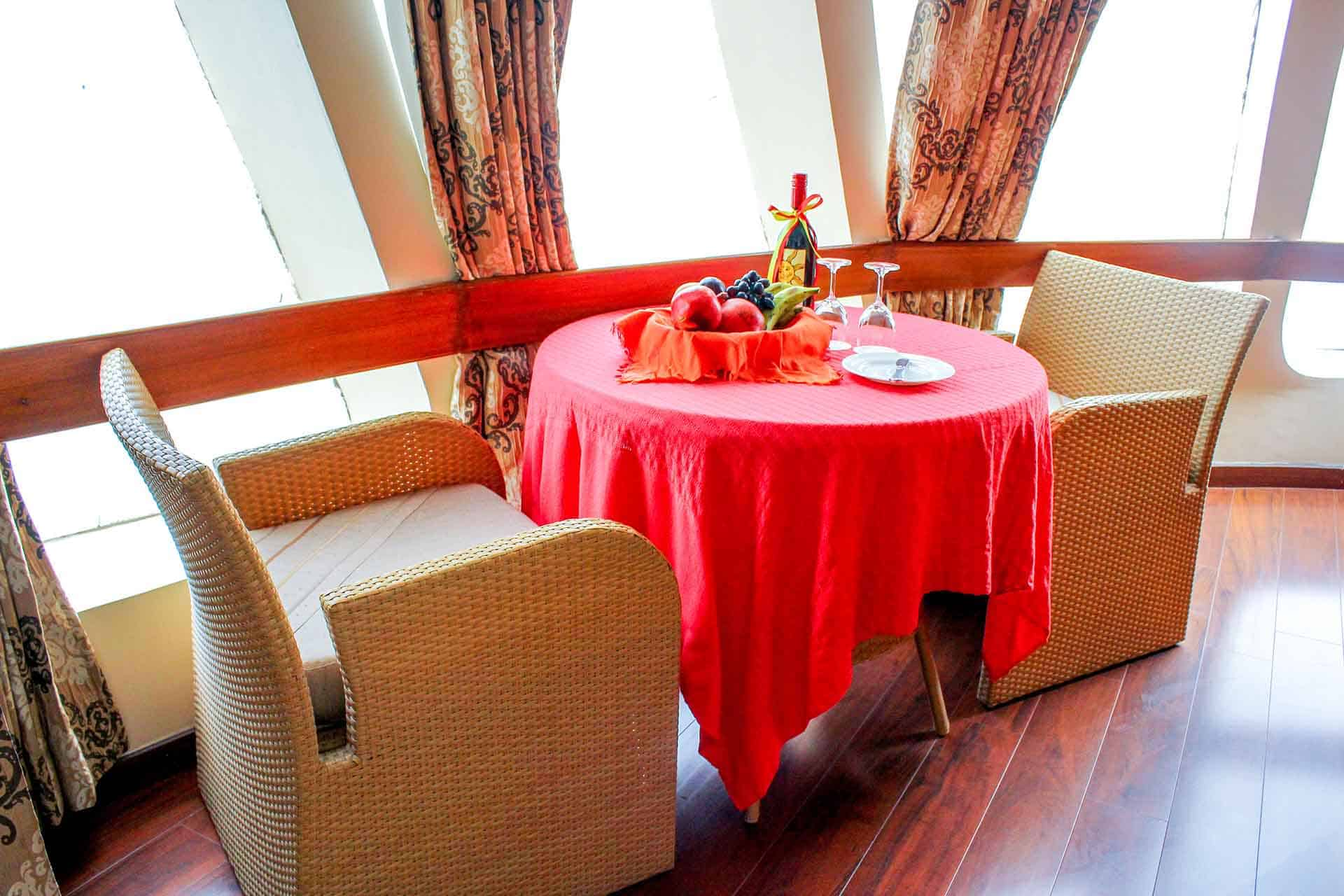 Cabin - Suite with Balcony - MV Mahabaahu