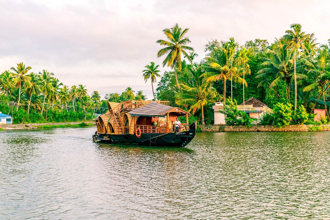 RV SauverNigam Backwater River Cruise