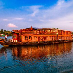 The RV Vaikundam – Elevated Cruising