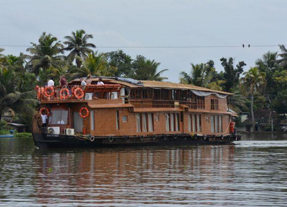 Kerala Backwaters Cruise On The Vaikundam: Life In The Slow Lane